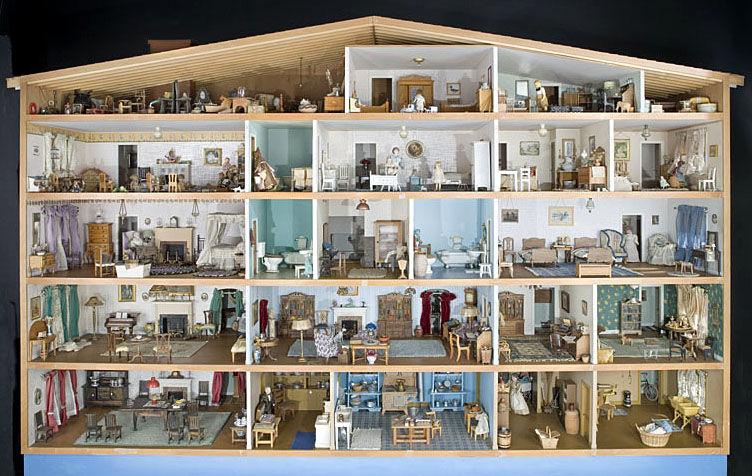 Bradford Doll House